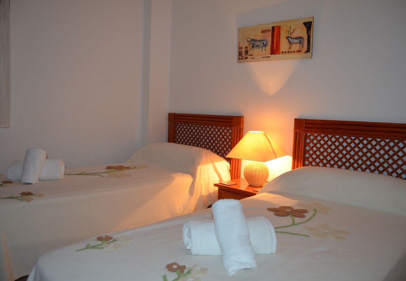 Dormitorio dos camas individuales - Resort Choice