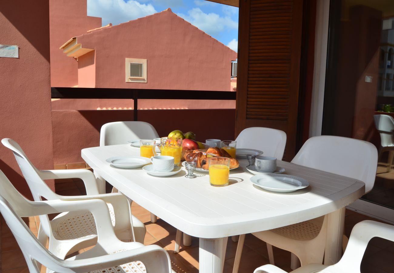 Balcón amueblado confortable - Resort Choice