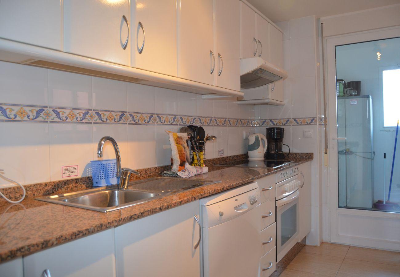 Cocina moderna con electrodomésticos - Resort Choice
