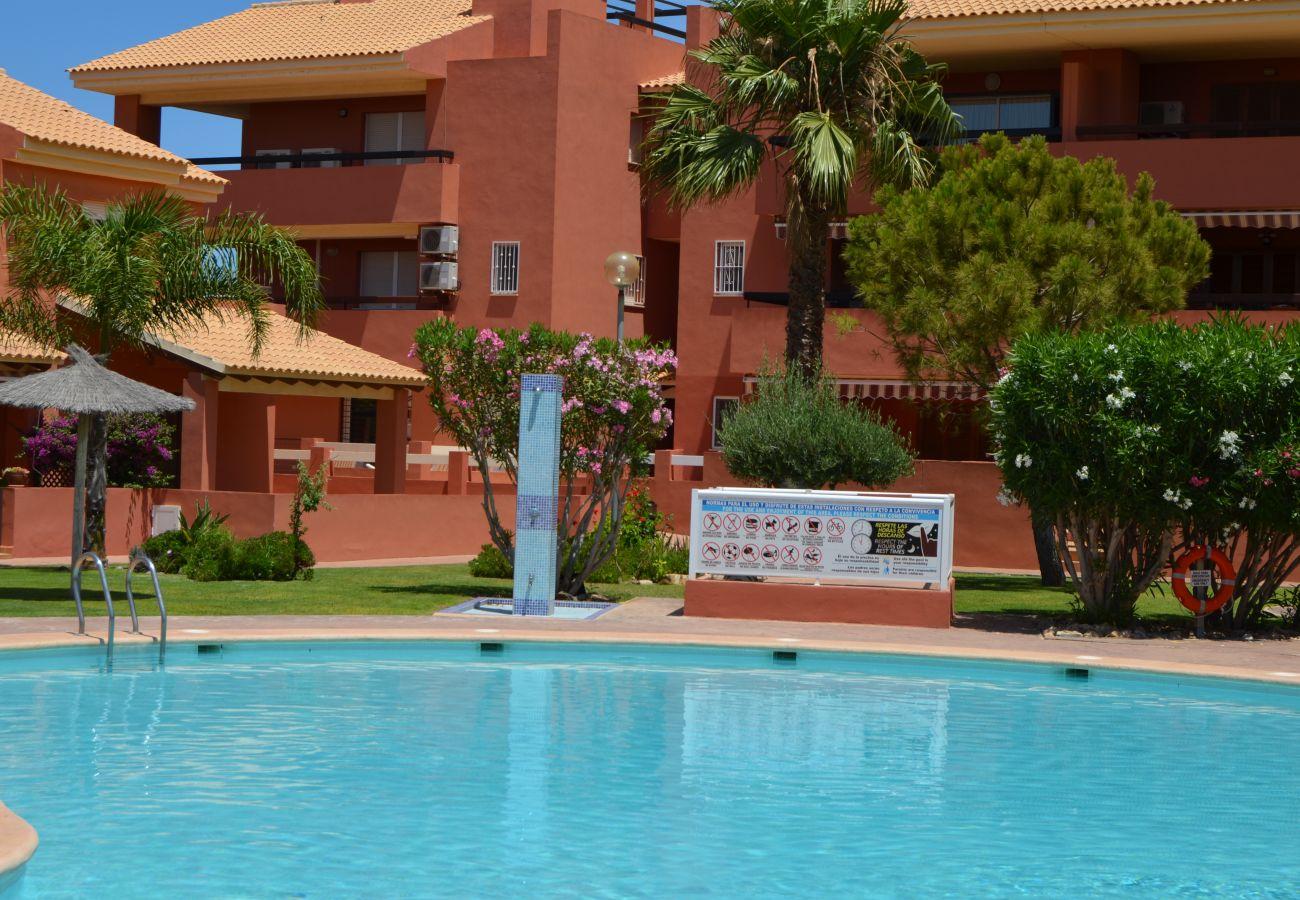 Apartamento bajo con vistas al exterior en Mar de Cristal de Resort Choice