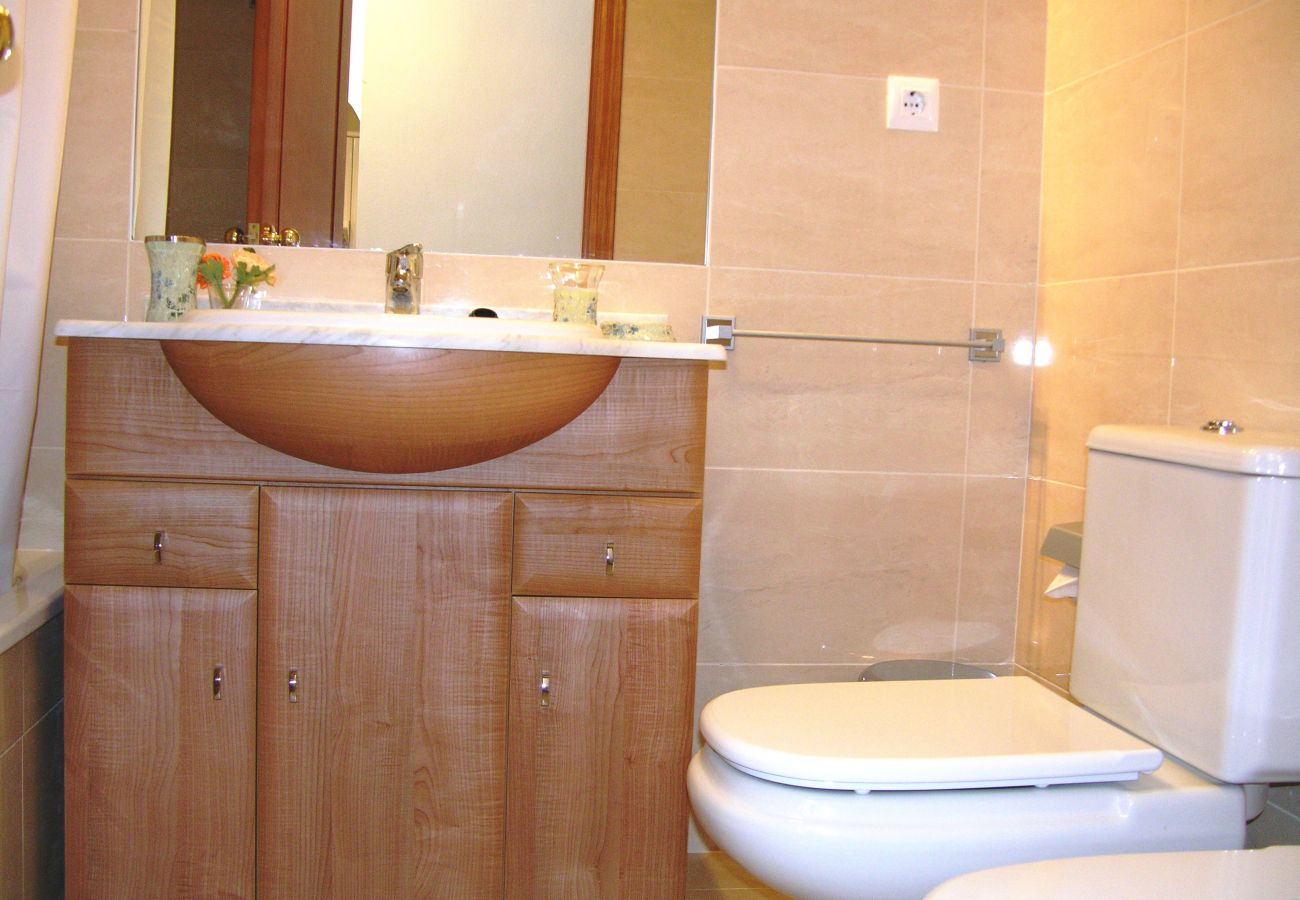 Gran baño moderno - Resort Choice