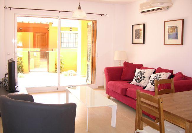 Gran salón con aire acondicionado y bien amueblado - Resort Choice