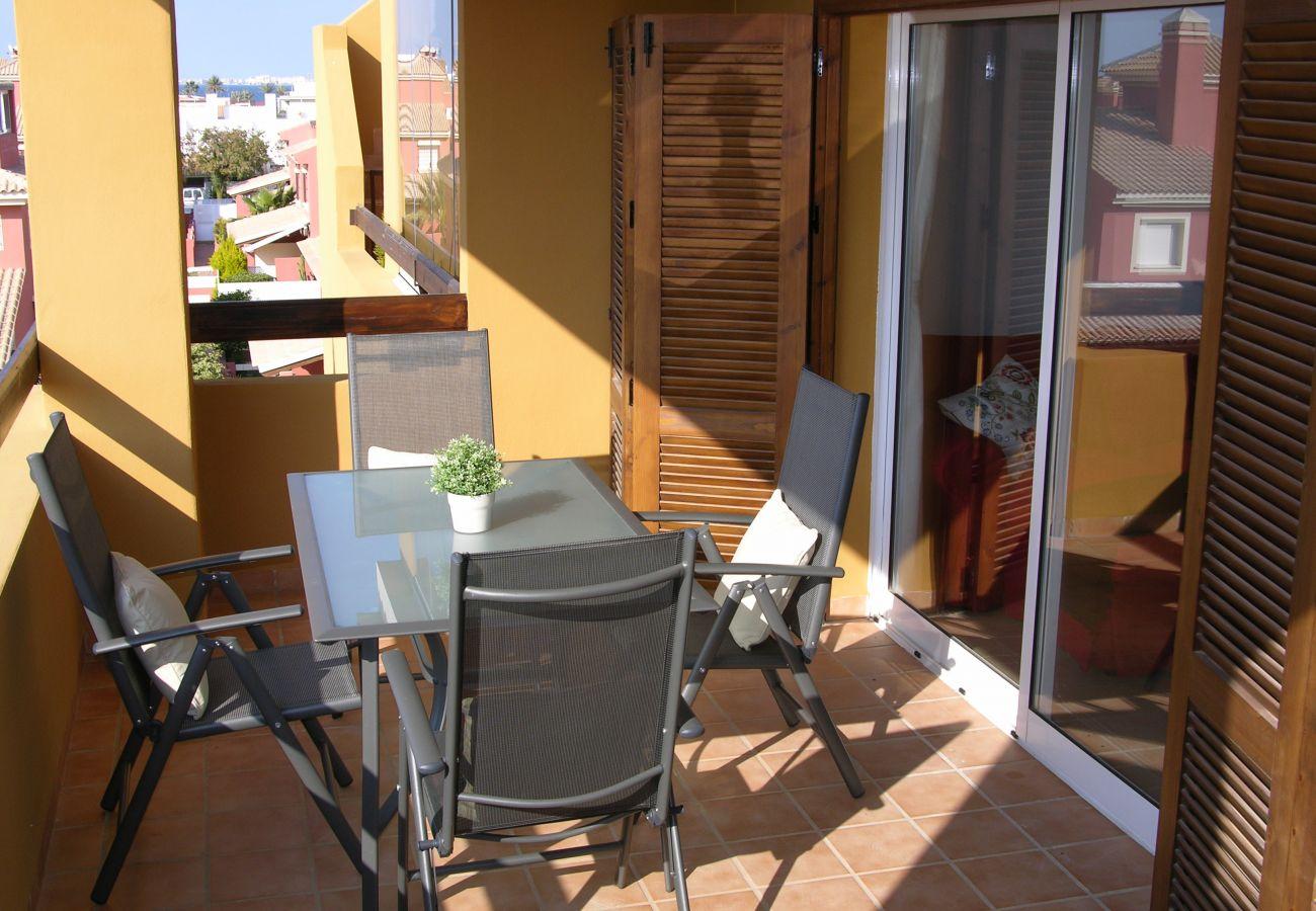 Balcón bien equipado para descansar - Resort Choice