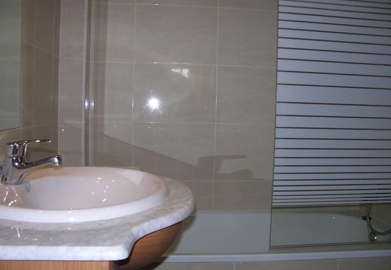 Gran baño moderno en ático en alquiler - Resort Choice