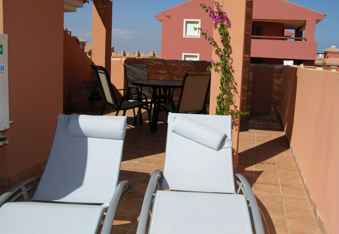 Bungalow con terraza equipada en la azotea para descansar - Resort Choice