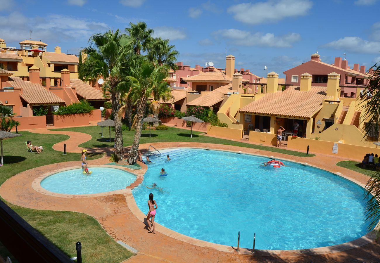 Gran piscina comunitaria - Resort Choice