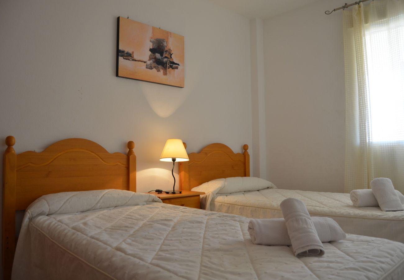 Dormitorio con 2 camas individuales - Resort Choice