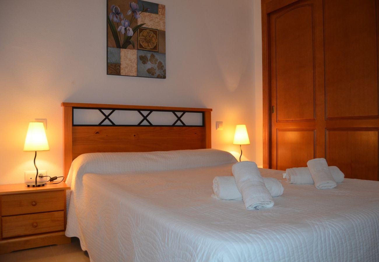 Dormitorio cama doble bonito - Resort Choice
