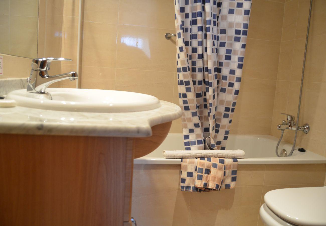 Gran baño con buenos servicios y bañera - Resort Choice