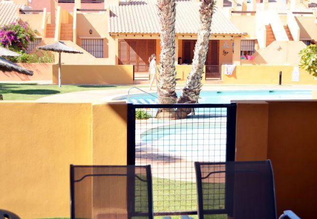 Gran terraza bien equipada y amueblada - Resort Choice