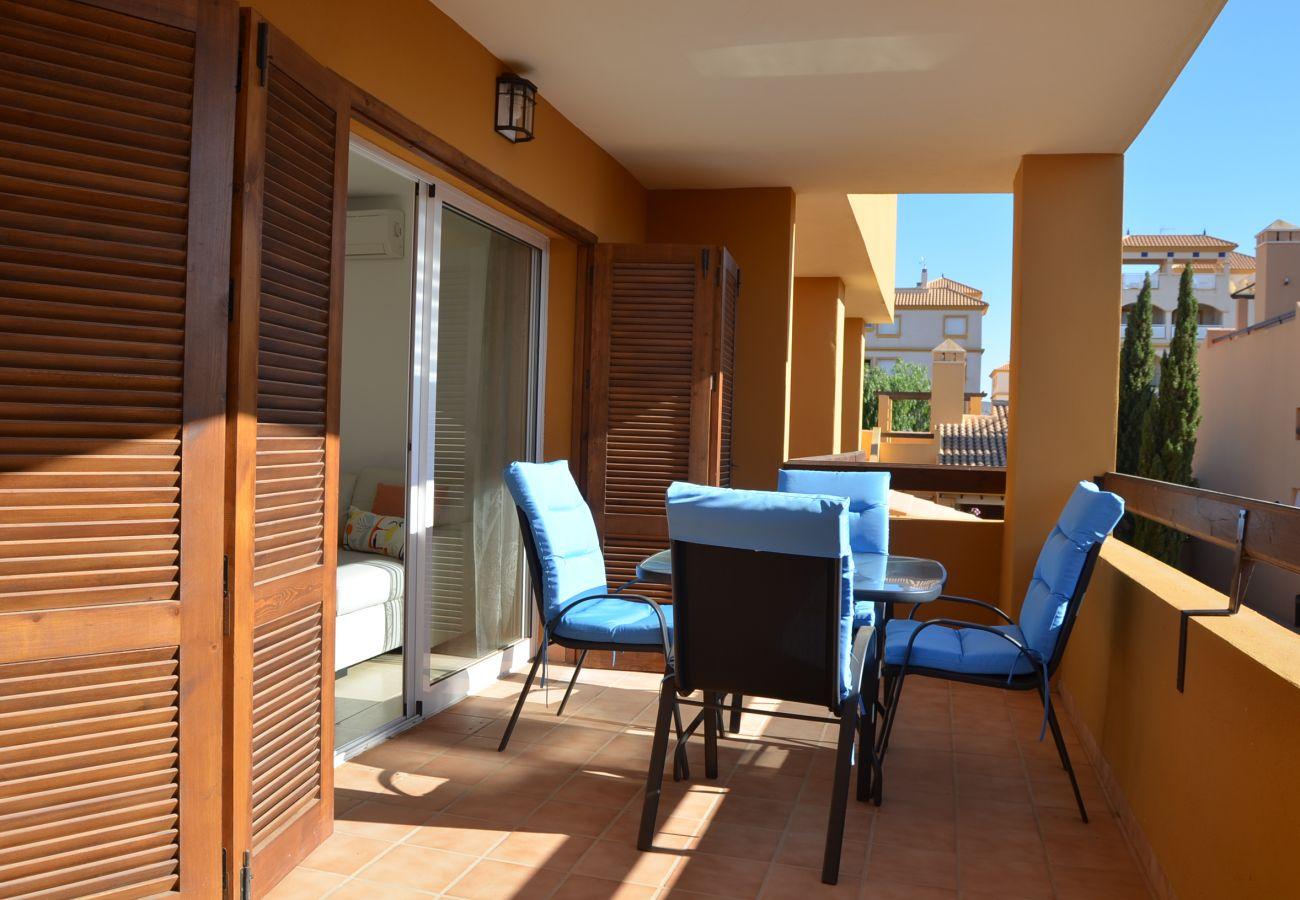 Apartamento con balcón bien amueblado - Resort Choice