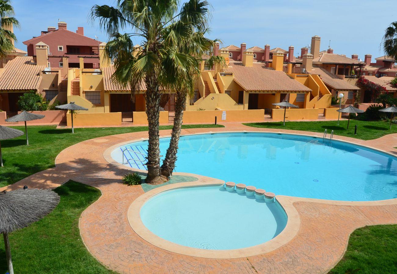 Apartamento 1º piso con piscina comunitaria - Resort Choice
