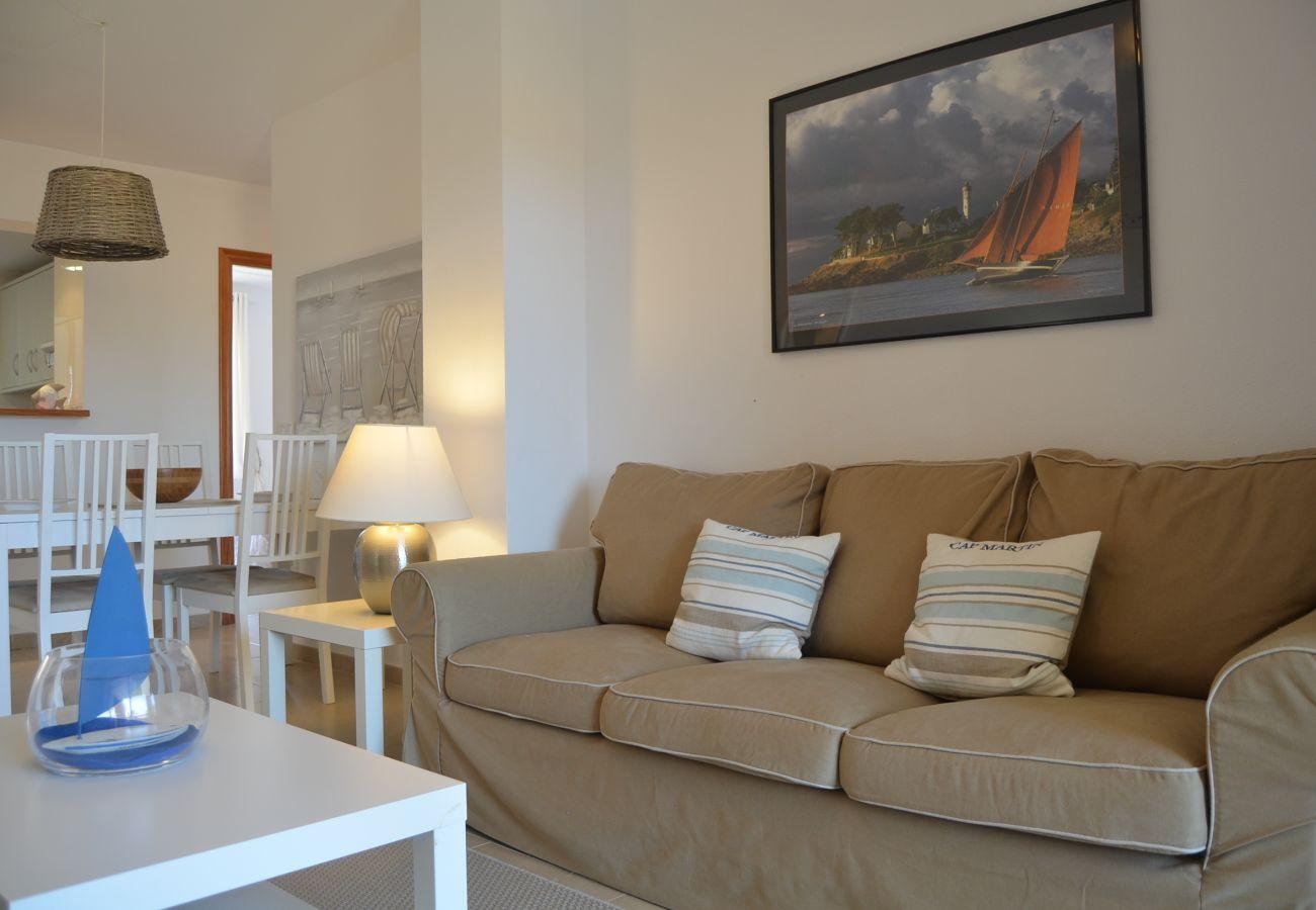 Bonito salón con precioso interior - Resort Choice