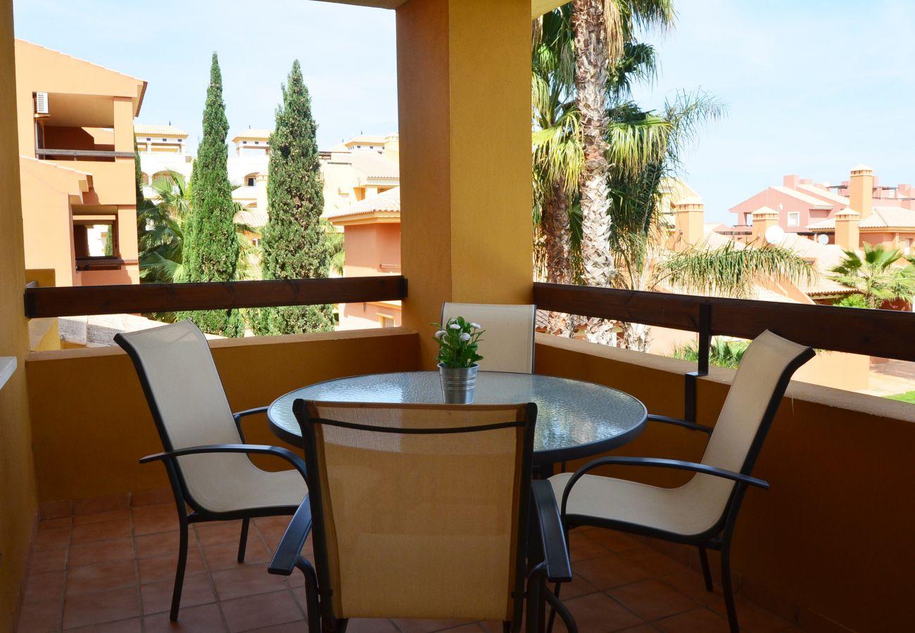 Gran balcón bien equipado y amueblado - Resort Choice