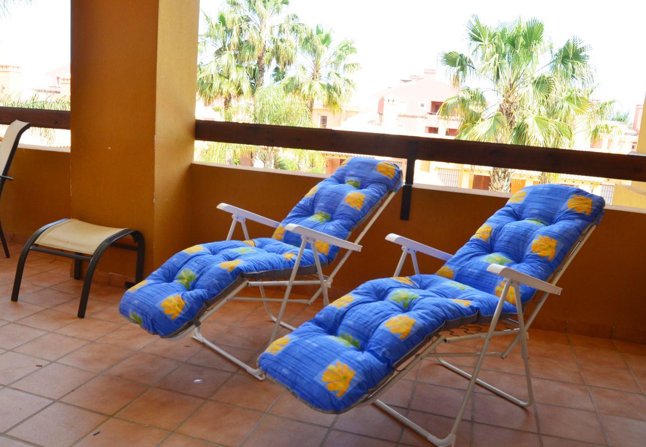 Gran balcón con tumbonas - Resort Choice