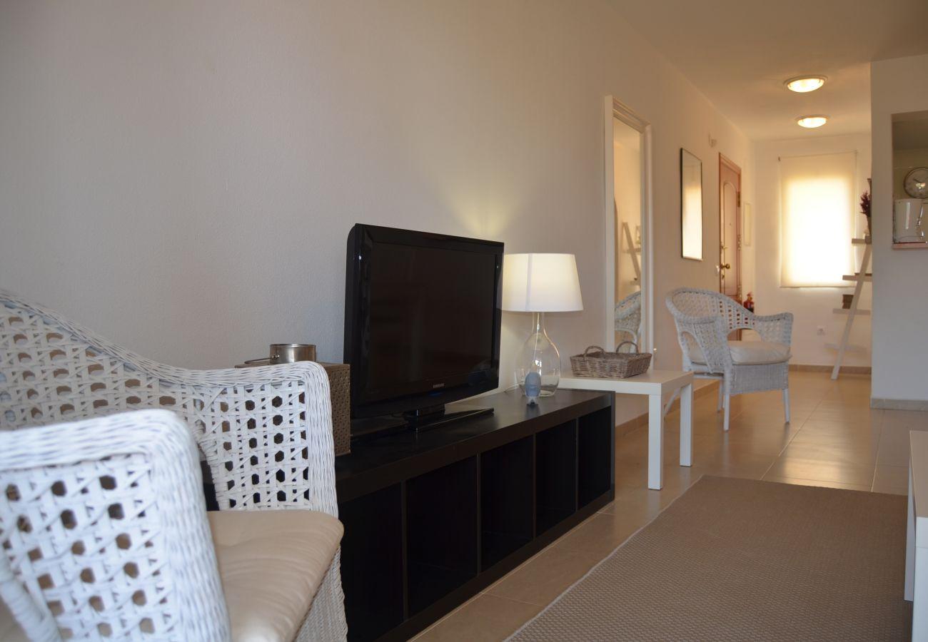 Bonito salón con tv y bien amueblado - Resort Choice