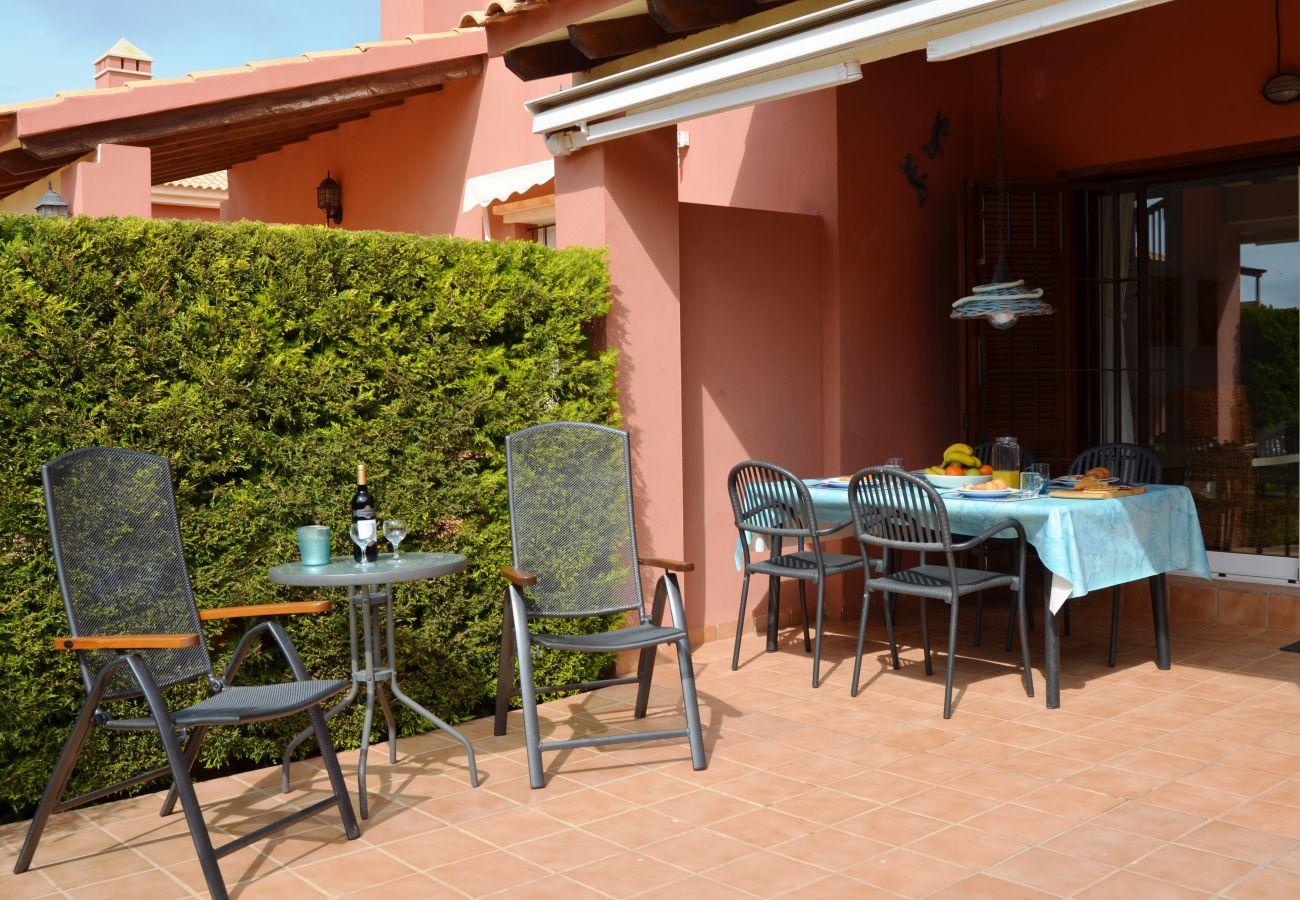 Gran terraza bien amueblada - Resort Choice
