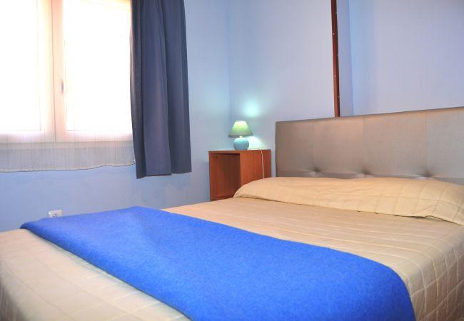 Bonito bungalow con gran dormitorio de cama doble