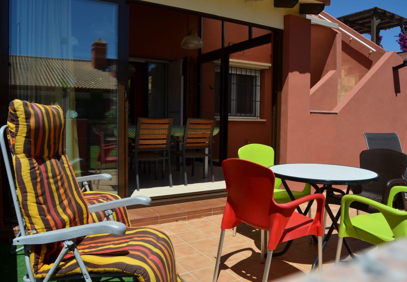 Precioso bungalow en alquiler con gran terraza bien equipada