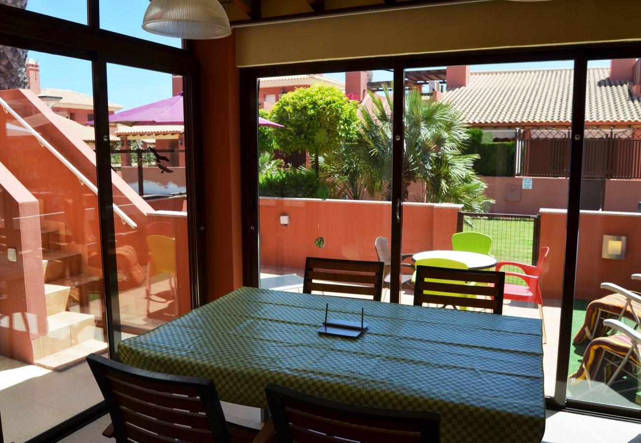 Área privada separada bien equipada para descansar - Resort Choice