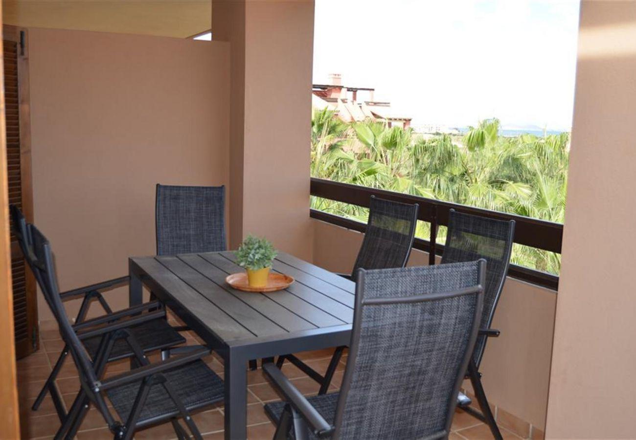 Disfrute de unas bonitas vistas desde el gran balcón - Resort Choice