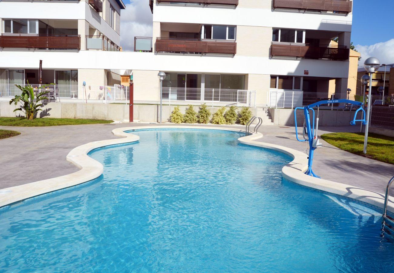 Apartamento en Santiago de la Ribera con bonita piscina