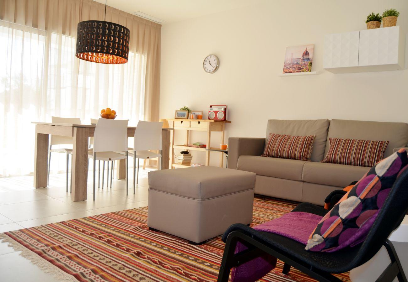 Apartamento en Santiago de la Ribera con precioso salón
