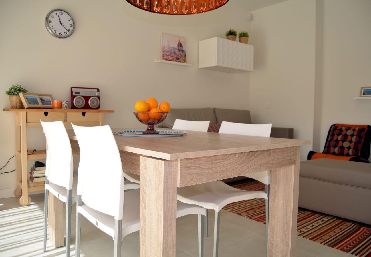Apartamento en Santiago de la Ribera con precioso comedor