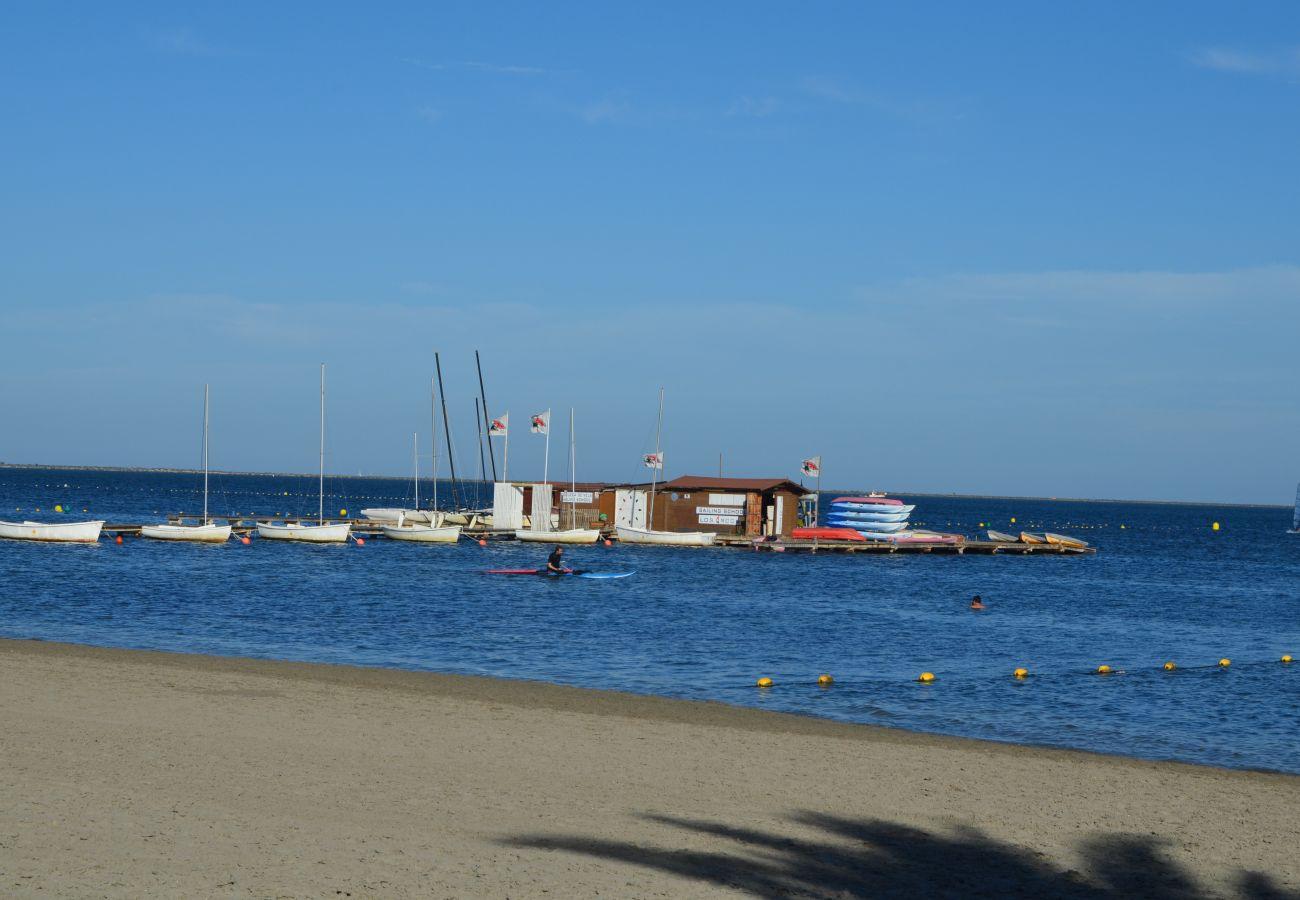 Playa de Santiago de la Ribera para descansar y para disfrutar