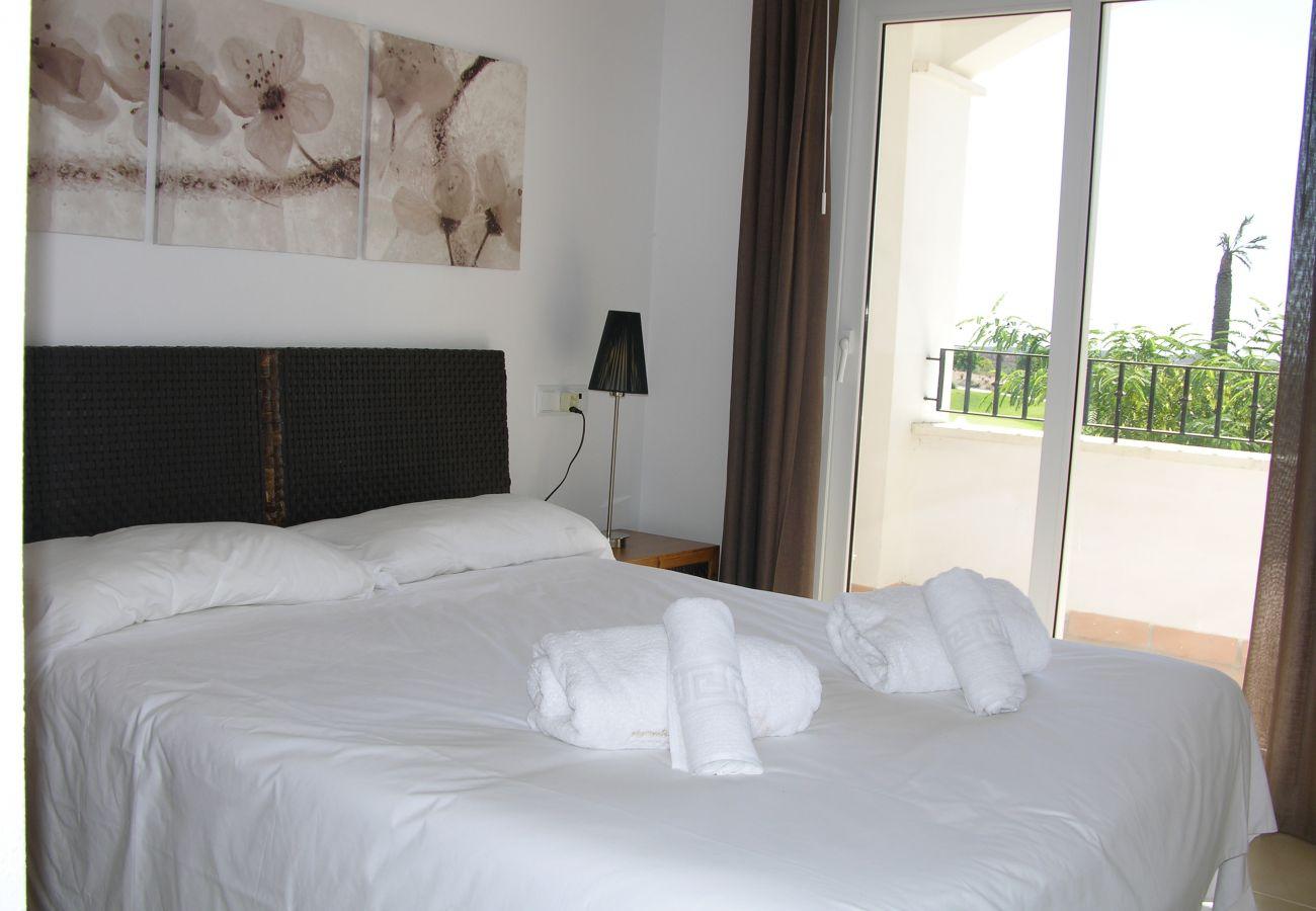 Apartamento en Hacienda Riquelme con bonito y gran dormitorio
