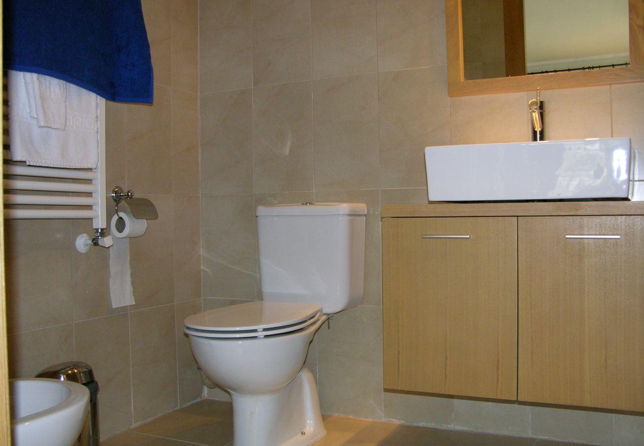 Apartamento en Hacienda Riquelme con baño bien equipado