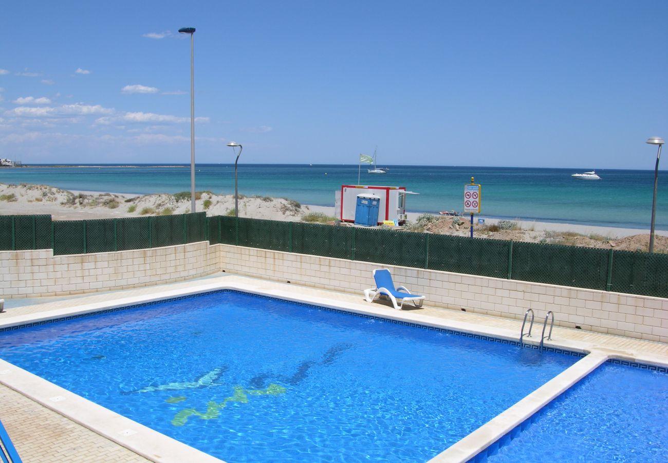 Apartamento en Libertad Dos Playas con preciosa piscina