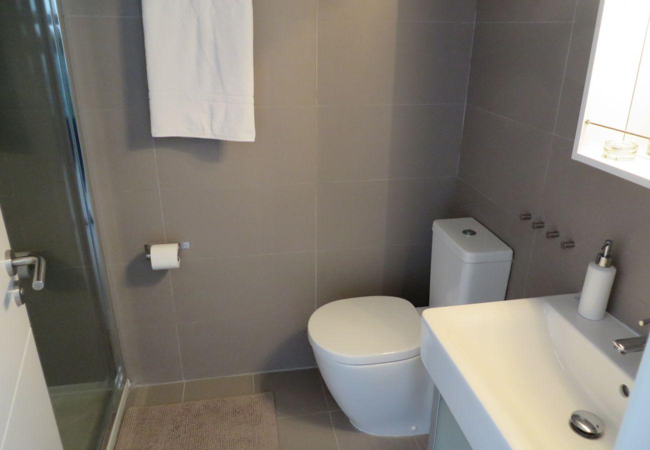 Gran baño con todos los servicios modernos - Resort Choice