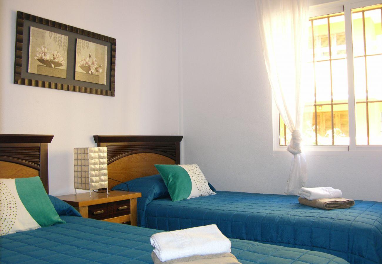 Dormitorio de 2 camas individuales muy cómodo - Resort Choice