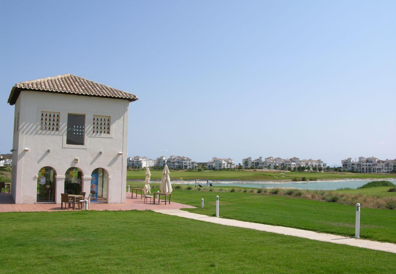 Preciosos jardines en Hacienda Riquelme Golf Resort
