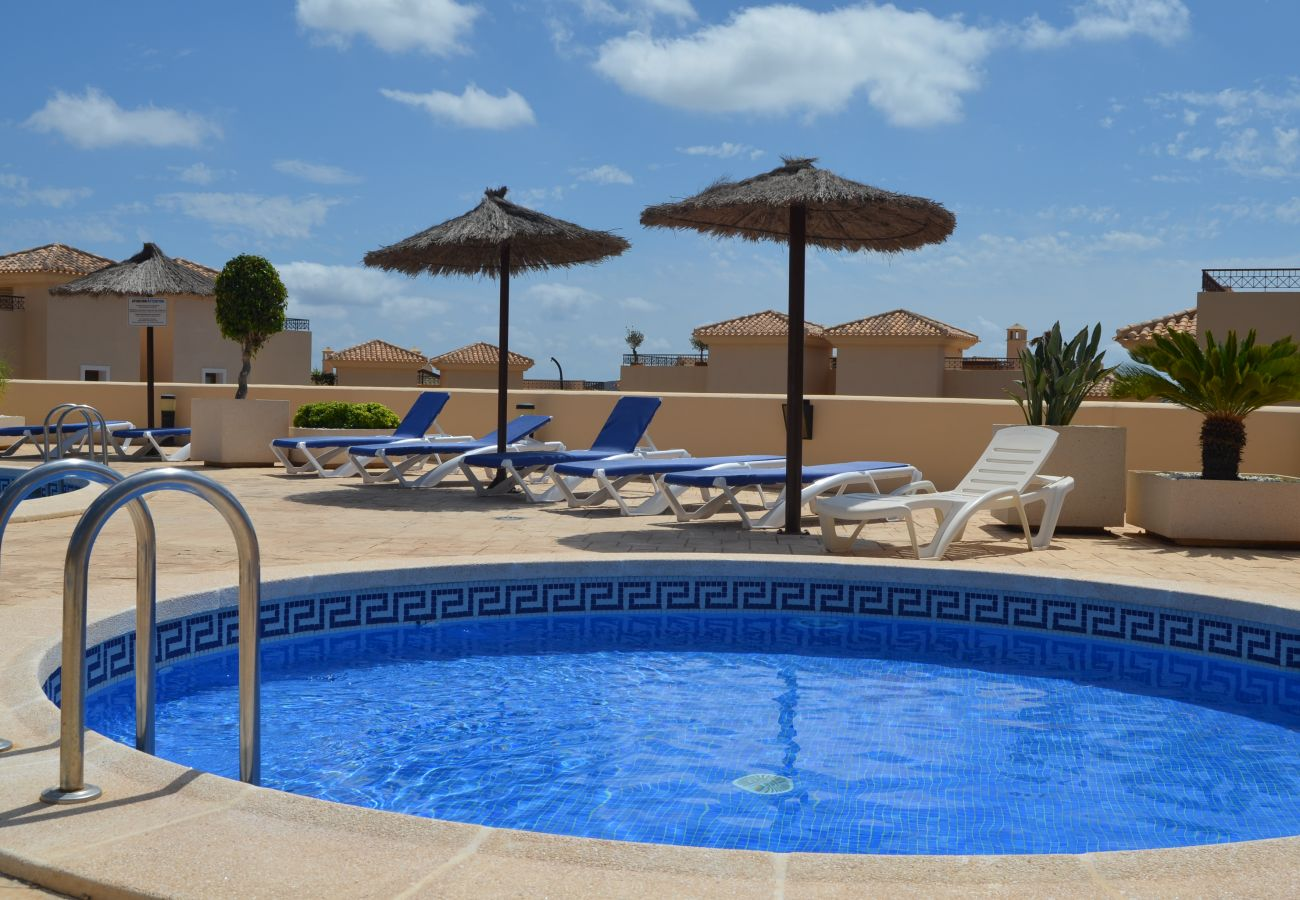 Apartamento Buena Vista con bonita piscina comunitaria - Resort Choice