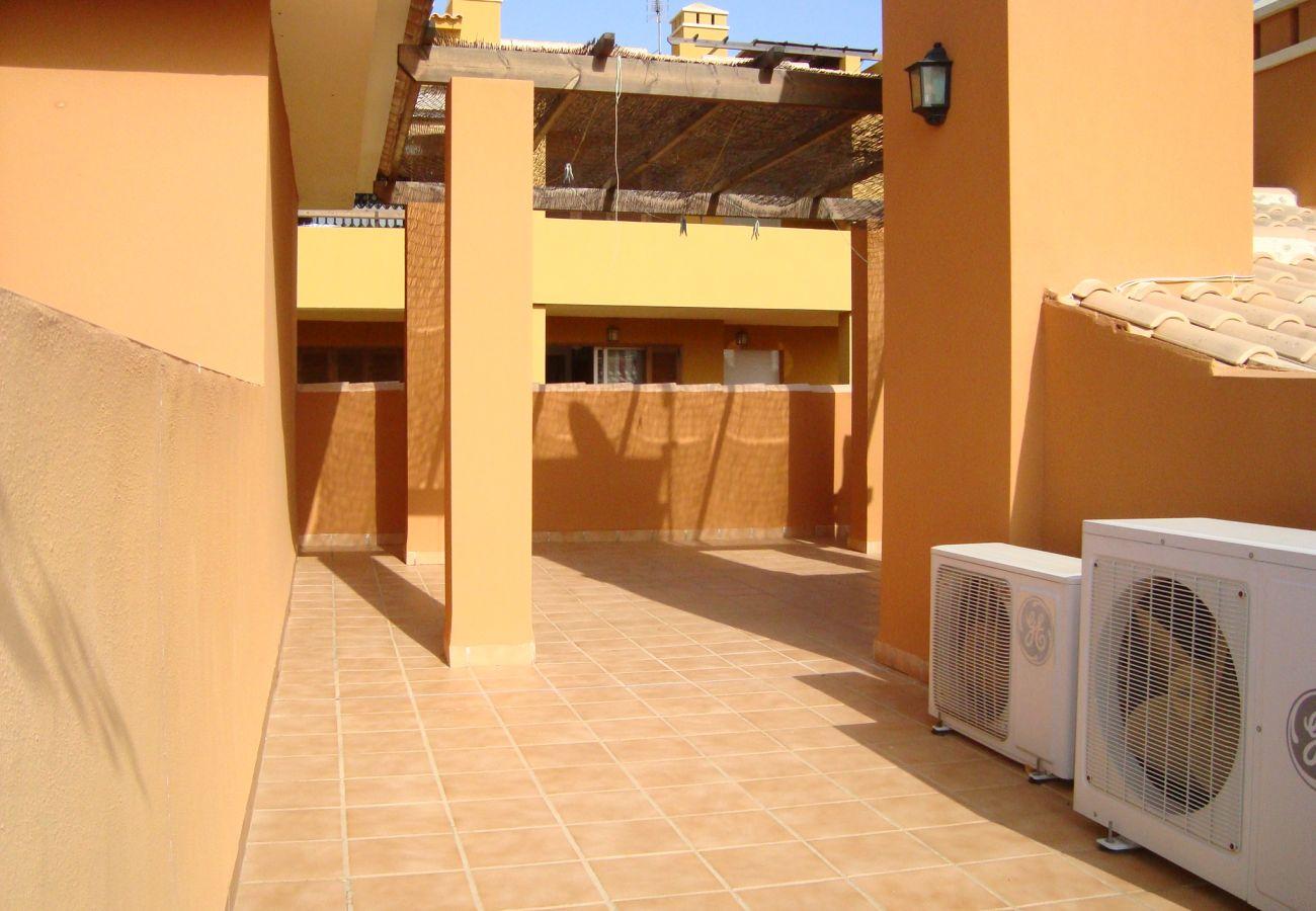 Gran terraza en la azotea en precioso bungalow - Resort Choice