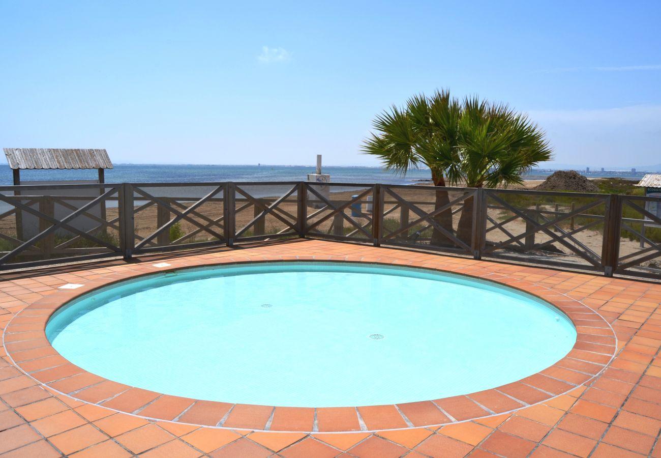 Urbanización Los Arenales con piscina para niños - Resort Choice