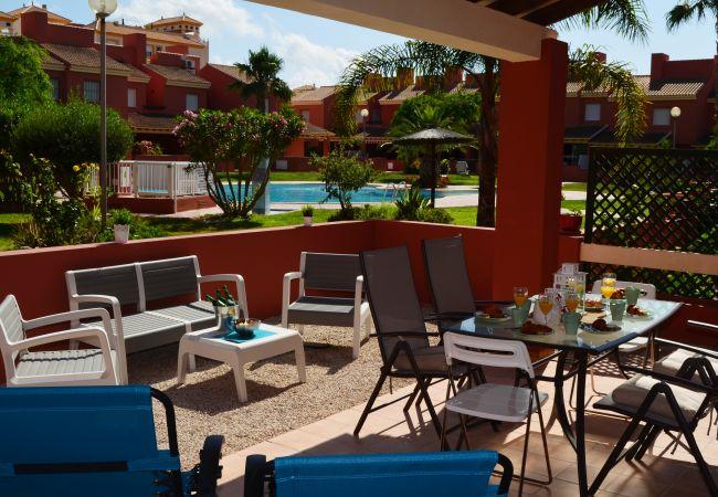 Apartamento con terraza bien equipada - Resort Choice