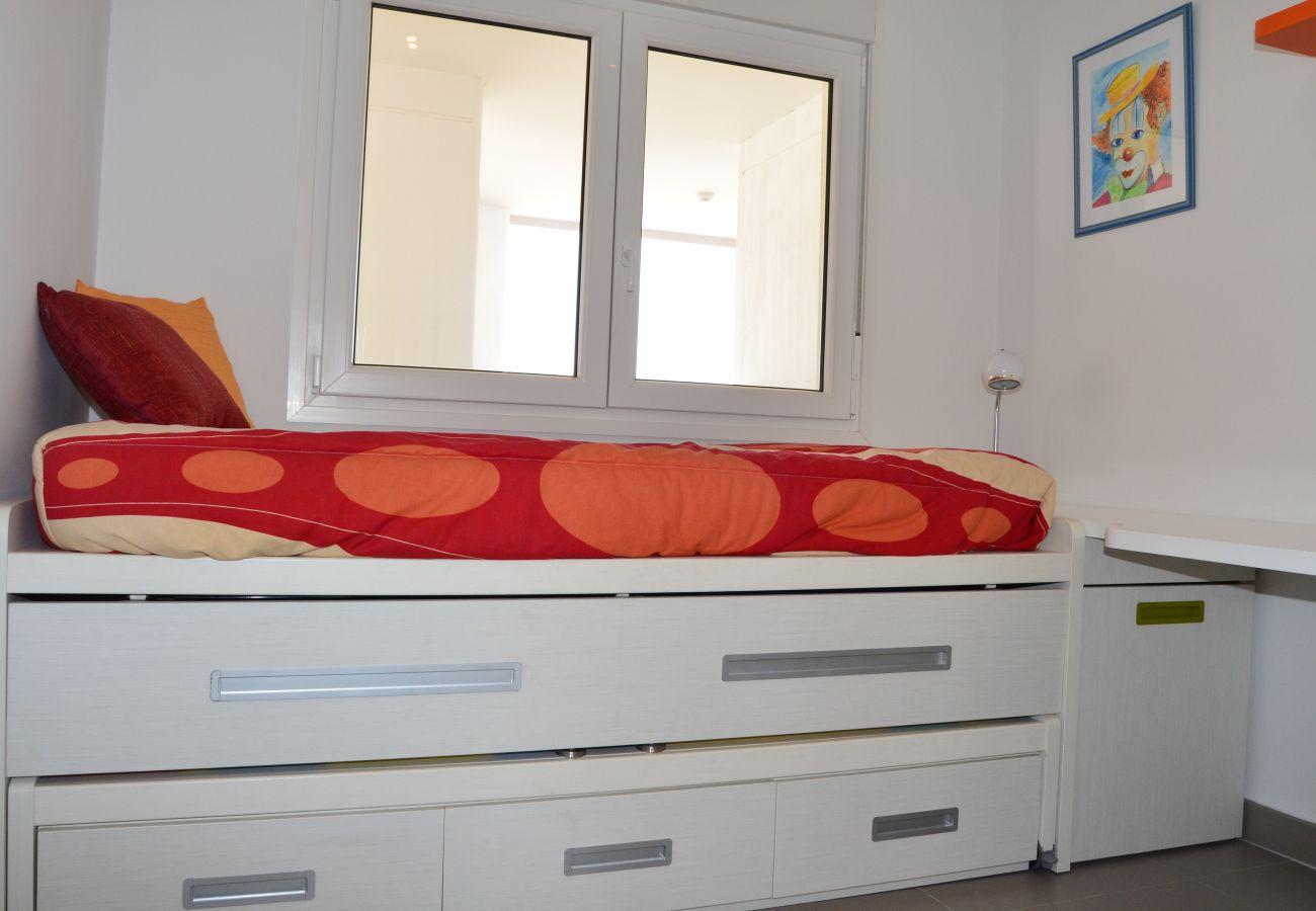 Precioso dormitorio con 2 camas individuales y precioso interior - Resort Choice
