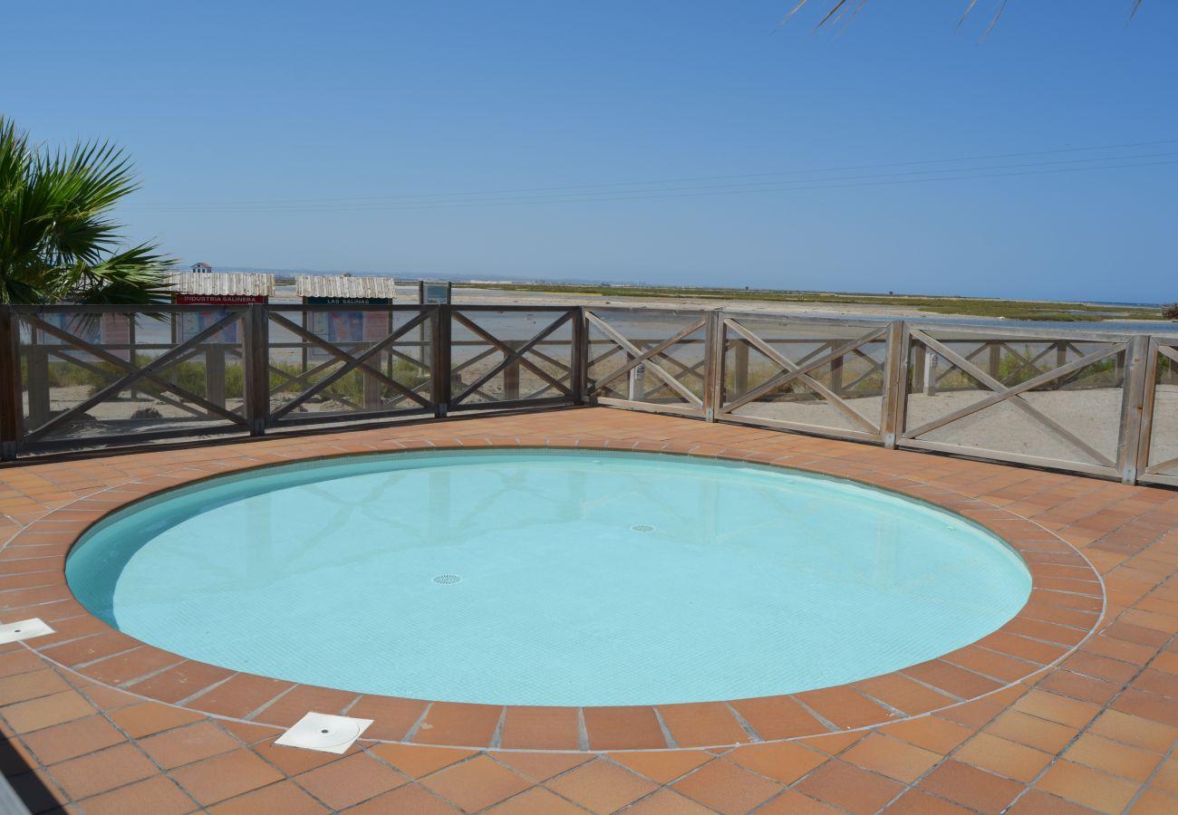 Urbanización Los Arenales con piscina infantil - Resort Choice
