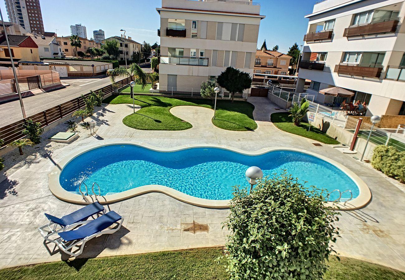 Precioso apartamento con bonitas vistas a la piscina