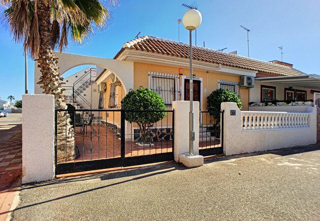 Casa en Los Alcazares - Casa Oesterayo